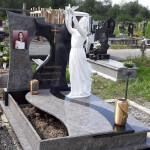 пам'ятник-надгробний-гранітний-з-ангелом-Елітний