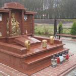 памятники з колонами