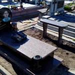 пам'ятник надгробний з граніту Елітний Для дитини ,3d проект пам'ятника гранітного, Бронзові квіти на пам'ятник, Скульптури на могилу