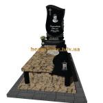 гранітний пам'ятник на могилу з хрестом