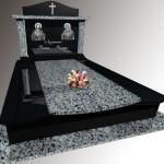 Памятник на трьох,граніт покостівка габро