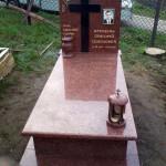 Одинарний пам'ятник з лезниківського граніту та габро