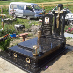 пам'ятники одинарний з хрестом