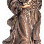 Бронзовые статуи на памятник